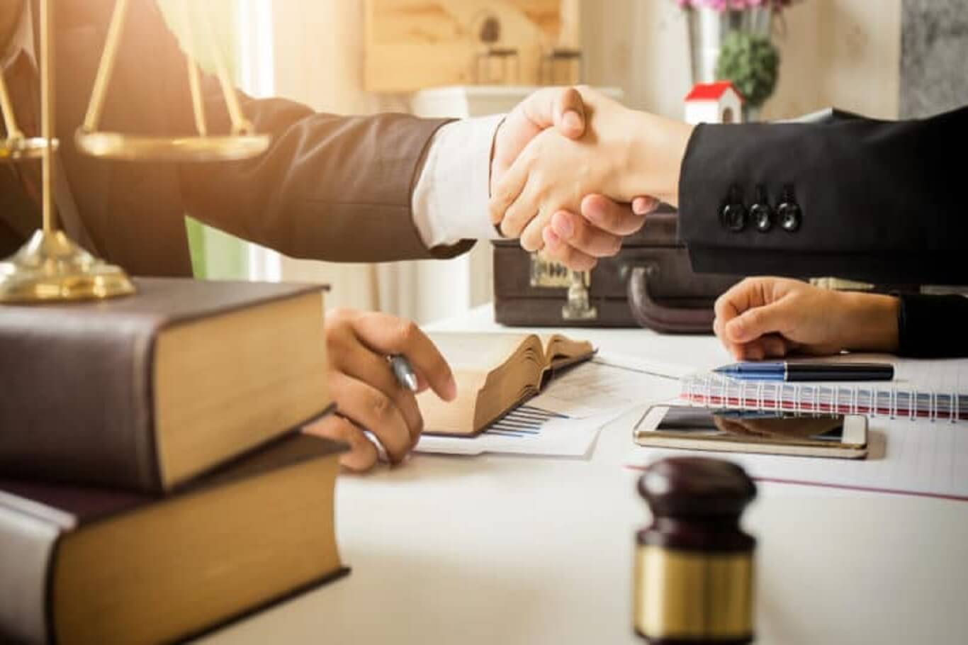 private criminal defense vs public criminal defense