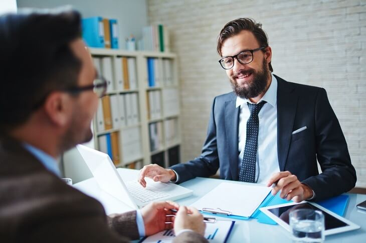What are the duties of a business litigation attorney