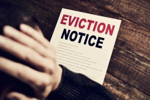 How to write an eviction notice to a family member