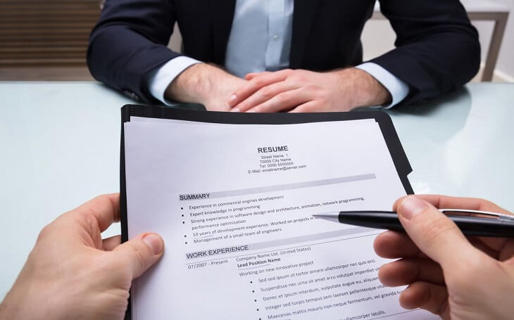 Is it illegal to lie on a job application resume