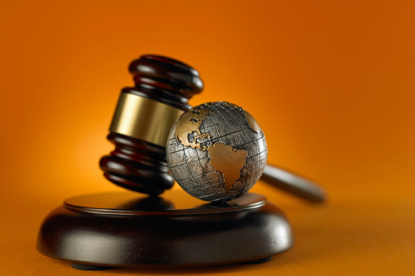 Top law firms found lobbying the fossil fuel companies; exacerbating the climatic changes across the globe!