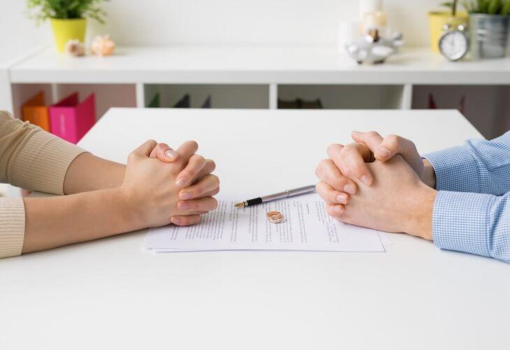 divorce signing