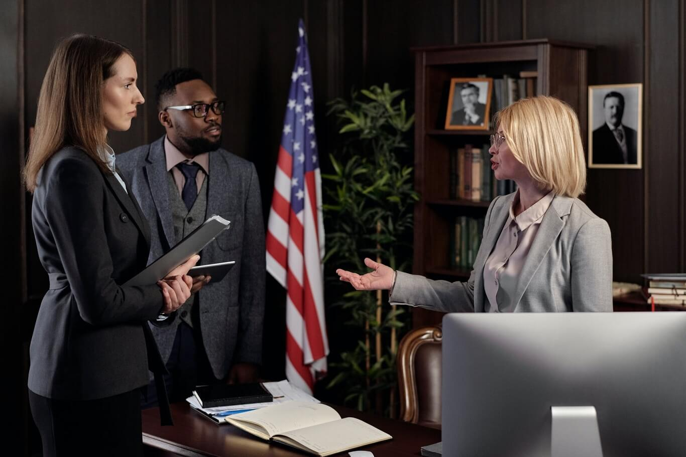 lawyer vs attorney