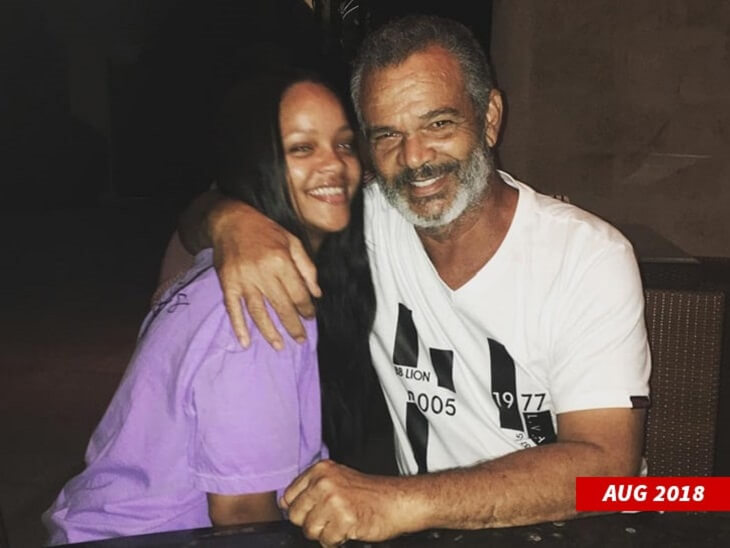 rihanna-sues-her-father-1