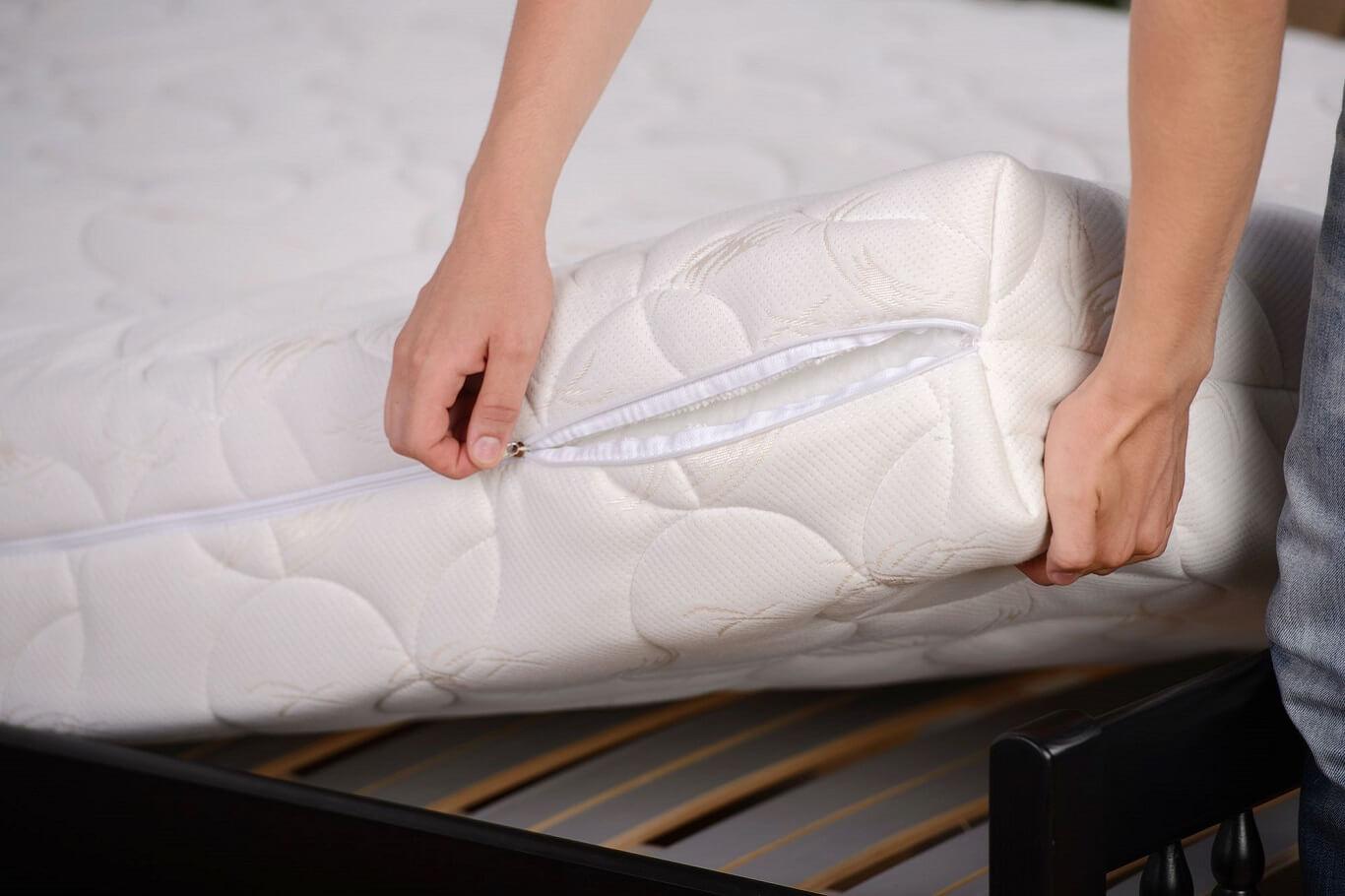Is Zinus mattress fiberglass dangerous